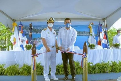Ministro de Turismo inaugura remodelado club de la Armada Dominicana