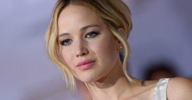 Jennifer Lawrence supuestamente resultó herida por un vidrio volador durante un truco que salió mal