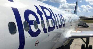 Cambios en JetBlue: prohíbe el equipaje de mano en su tarifa más baja