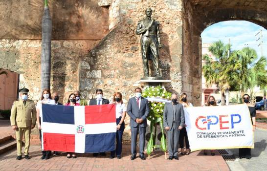 CPEP deposita ofrenda floral en honor a Matías Ramón Mella