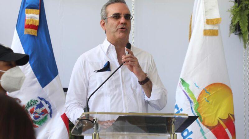 """Presidente Abinader dice en Puerto Plata """"nuestro gran empeño está dirigido a crear una economía estable"""""""