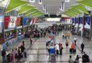 Retrasos de vuelos en el AILA por despidos en personal de Migración