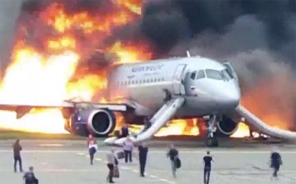 Riesgo de sufrir un accidente de avión con fallecidos: 0,13 por millón de vuelos