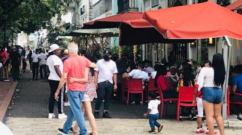 Bares y restaurantes de la Zona Colonial recuperan poco a poco su dinamismo económico