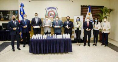 Sanar una Nación entrega medicamentos a la DNCD