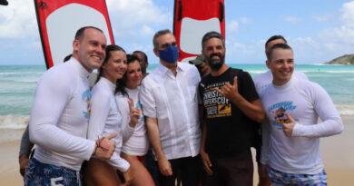 Abinader inaugura remozamiento playa Macao, con inversión de RD$65 millones