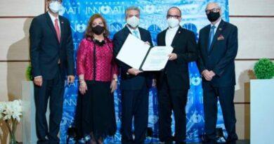Fundación Innovati reconoce a personalidades por sus aportes a RD