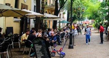 Nuevo respiro para el turismo: Abinader suaviza el toque de queda