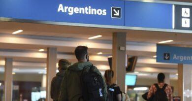 Argentina cierra fronteras al turismo hasta el 30 de abril