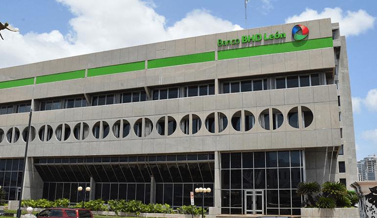 Banco BHD León potencia proyectos de mujeres