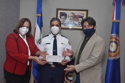 Samaná: clúster y hoteleros donan efectivo y equipos para edificio del Cestur