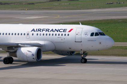 Francia prohíbe vuelos domésticos para viajes que duren menos de dos horas y media en tren