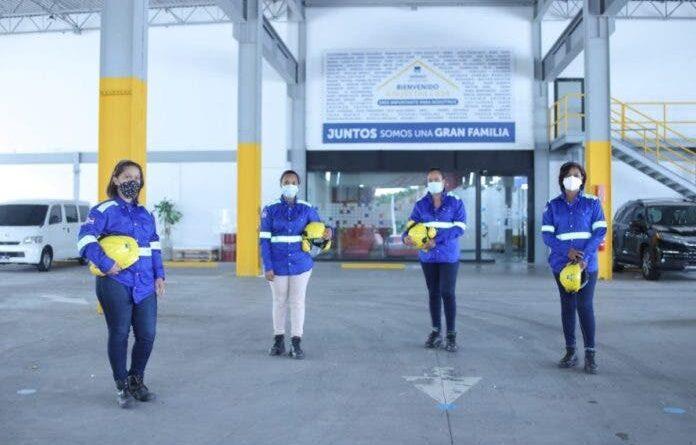 Gerdau Metaldom integra primera generación de mujeres a operaciones de sus plantas