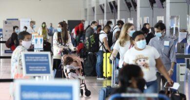 Panamá endurece medidas para ingreso de viajeros de Sudamérica