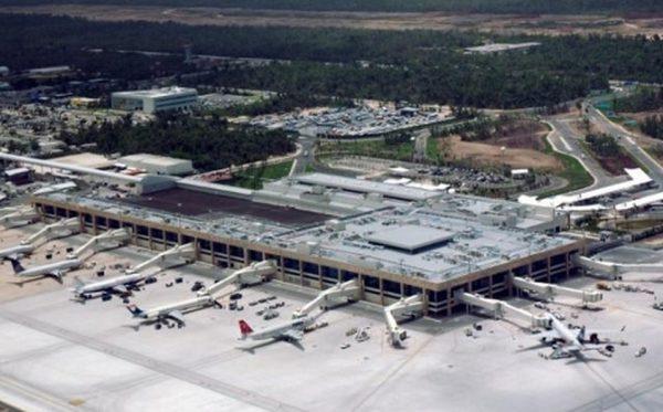 Lanza AMLO cuatro ataques sobre el dueño del aeropuerto de Cancún