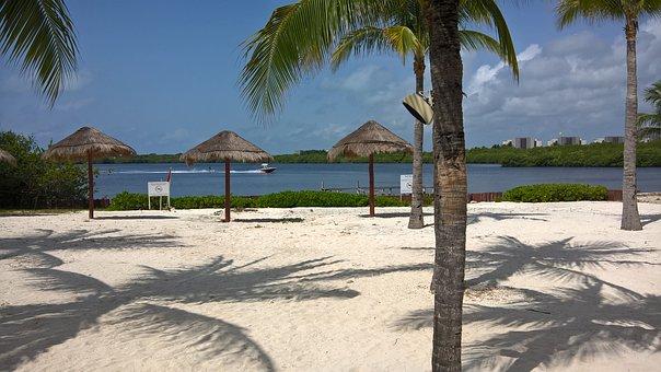 Amenaza a Cancún: se debilitará la llegada de turistas al abrir cruceros