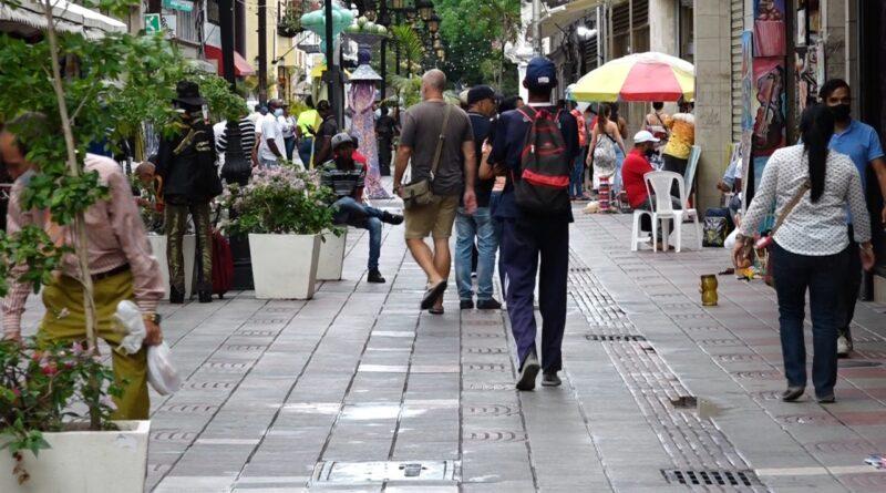 Ciudad Colonial vuelve poco a poco a la normalidad tras flexibilización de medidas contra Covid-19