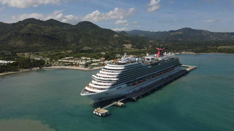 Carnival reanuda sus operaciones en RD con 2,600 cruceristas en Puerto Plata