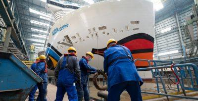 Nuevo crucero AIDAcosma abandona el dique cubierto en Meyer Werft