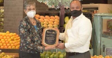 El Clúster del Mango Dominicano reconoce a CCN por aportes al sector