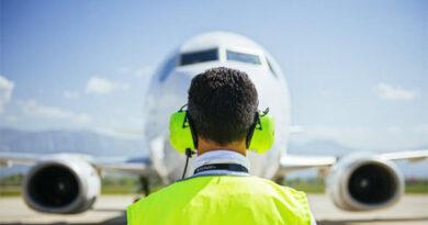 Las aerolíneas con y sin teléfonos gratuitos de atención al cliente, al detalle