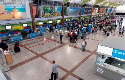 Suben un 33.2% ingresos por tarjeta de turismo en RD en el primer semestre