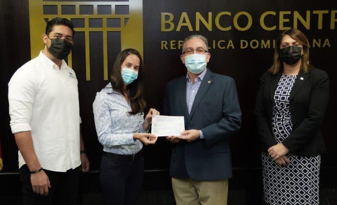 El Voluntariado Bancentraliano entrega donativo