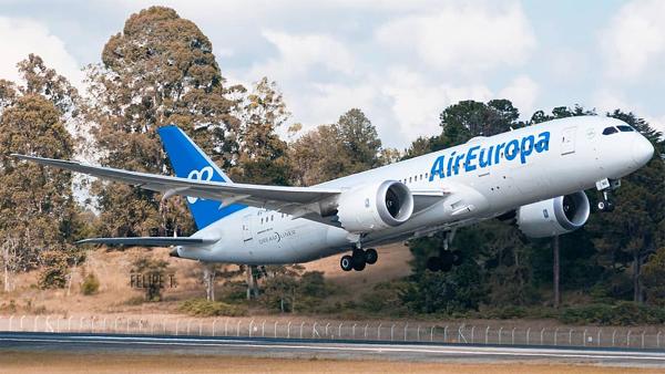 Air Europa revienta los precios: 99€ por volar a EEUU