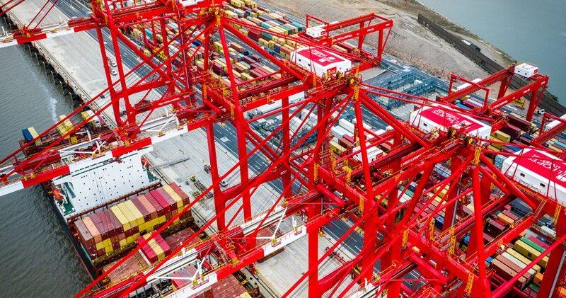 Peel Ports vacunará a trabajadores del Puerto de Liverpool
