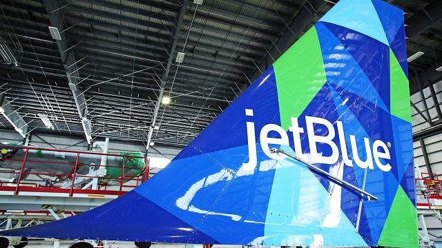 JetBlue irrumpe en la ruta aérea más rentable del mundo