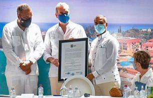 Firman acuerdo público-privado para reordenamiento playas Sosúa