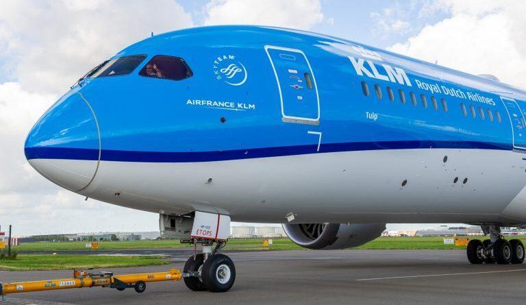 Cancún: la mayor aerolínea holandesa aterriza por primera vez
