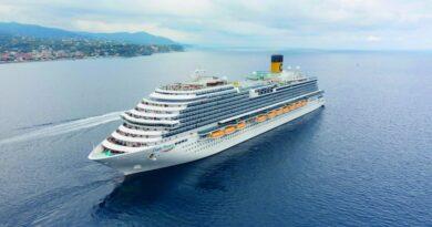 Puerto de Barcelona recibe por primera vez al crucero Costa Firenze