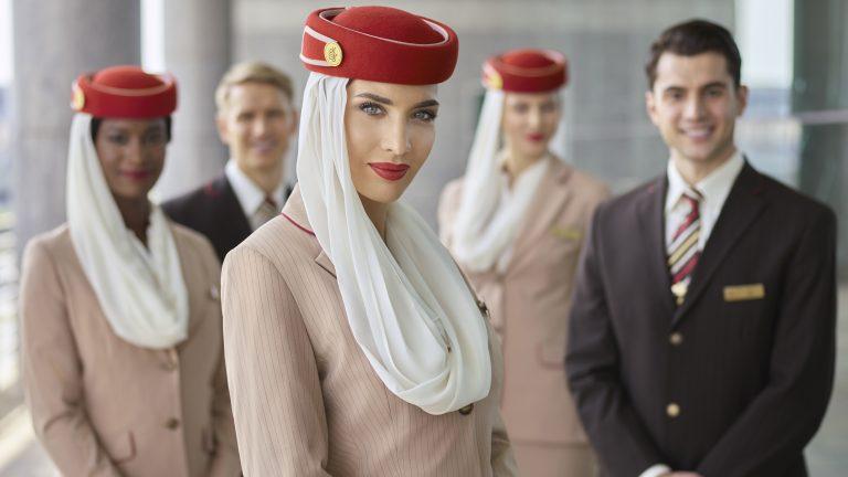 Emirates busca personal para aumentar sus operaciones