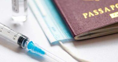 Conflicto entre United y Delta por obligar que solo vuelen vacunados