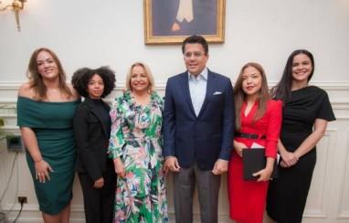 Mitur y Embajada Dominicana en Francia relanzan turismo de RD en París