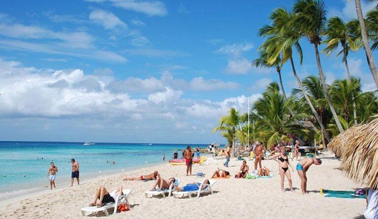 Llegada de turistas a República Dominicana en septiembre establece récord